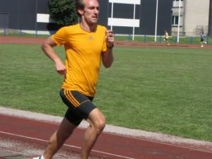 Haapsalu staadionil 1500m isiklikku rekordit jooksmas