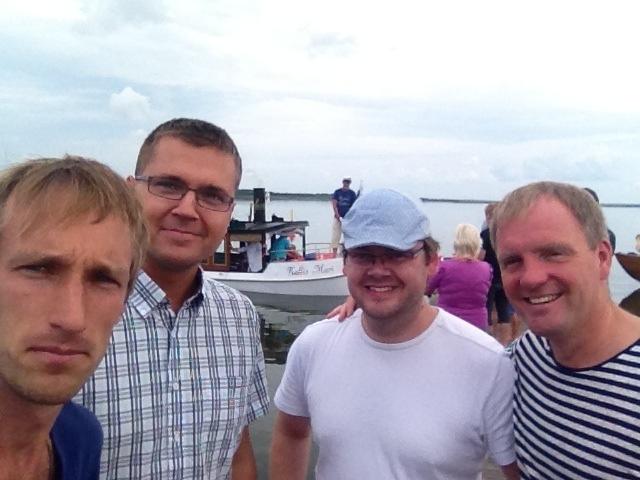 Pildil paremalt: Innar Mäesalu, Tõnu Parbus, Kallis Mari, Reimo Nebokat ja mina